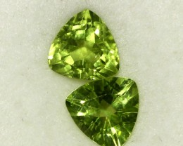 2.49 CTS PAIR OF TRILLIANT CUT PERIDOT GEMS (ST8591)