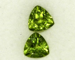 2.52 CTS PAIR OF TRILLIANT CUT PERIDOT GEMS (ST8603)