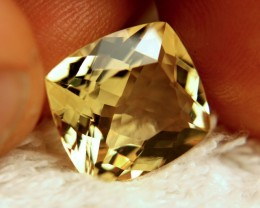 7.79 Carat VVS1 Golden Yellow Beryl - Superb