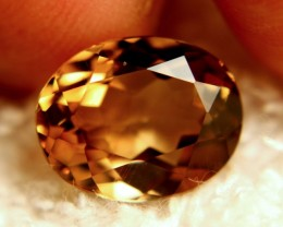 7.31 Carat Beautiful Golden VVS1 Topaz - Gorgeous