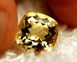 4.35 Carat VVS1 Golden Yellow Beryl - Impressive Gem