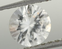 1.12CTS DIAMOND CUT SILVERY WHITE SAPPHIRE (ST9208)