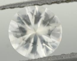 0.90CTS DIAMOND CUT SILVERY WHITE SAPPHIRE (ST9215)