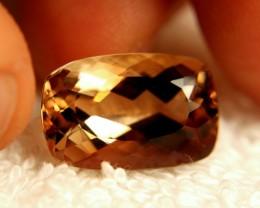 18.05 Carat Brazil VVS1 Golden Topaz - Beautiful