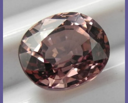 VERY PRETTY AAA 1.50CT COLOR SHIFTING MALAYA GARNET OVAL