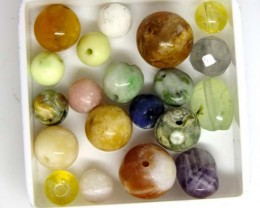ASSORTED NATURAL BEADS (PARCEL) 33 CTS   NP-1531