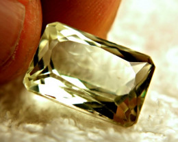 14.0 Carat VS Yellow Triphane - Beautiful