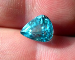 TOP QUALITY CERTIFIED NATURAL BLUE ZIRCON 6,55CTS