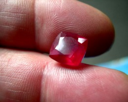 TOP QUALITY CERTIFIED NATURAL RUBY 7,28 CTS