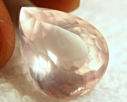 21.73 Carat Pink Rose VVS/VS Quartz