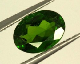 1.0 CTS LUSTEROUS RICH FOREST GREEN OVAL CHROME DIOPSIDE SP23