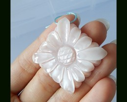 Beautiful Shell Flower Carving Pendant Bead, 48.5 Cts
