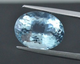 8.94ct oval Aquamarine gemstone certified