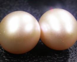 Parcel South Seas Pearls  Pairs AGR1123