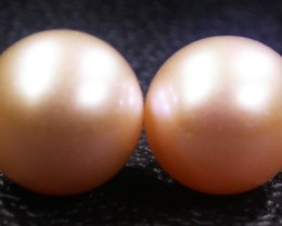 Parcel South Seas Pearls  Pairs AGR1125