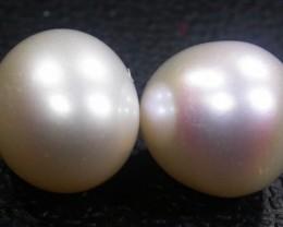 Parcel South Seas Pearls  Pairs AGR1128