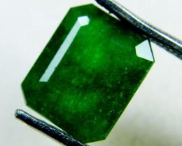 Quartz Emerald Green colour  2.5  carats   QU54