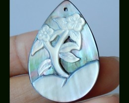 Flower Carving Shell Pendant Bead,34x24x3 MM,22.5 Cts