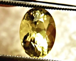 3.0 Carat Olive Yellow VVS Beryl - Lovely Stone