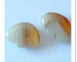31 ct  Agate Elephant Pair ,2 MM TOP Drilled