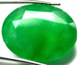 Quartz Emerald Green colour  13.30   carats   QU78