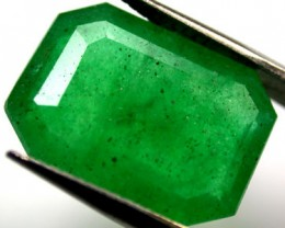 Quartz Emerald Green colour  7.70   carats   QU111