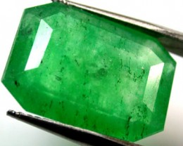 Quartz Emerald Green colour  7.40   carats   QU123