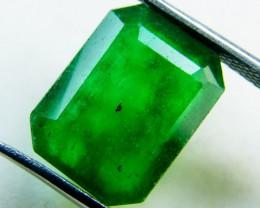 Quartz Emerald Green colour  5.70  carats   QU160
