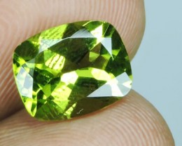3.15 CTS SPARKLING AMAZING CUSHION SHAPE  PERIDOT
