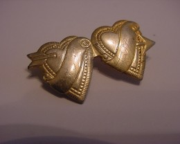 GOLD ANTIQUE VICTORIAN  BROOCH / PIN DOUBLE HEART WITH NAMES