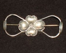 ANTIQUE DOGWOOD STUART NYE BROOCH / PIN CIRCA 1930 - 1940