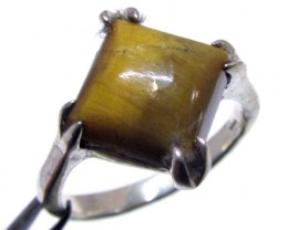 Tiger eye set in silver ring size 8.5 MJA 715