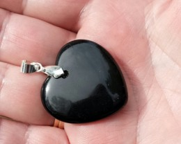 BLACK ONYX PENDANT HEART SHAPE WITH BAIL