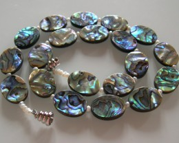 VERY NICE PAWA SHELL NECKLACE 47 CMS and beads 18x14mm