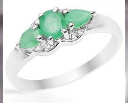 A Beautiful Emerald & Sterling Silver Ring - Sheer Elegance