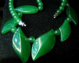 LEAF SHAPE GREEN  NECKLACE 90