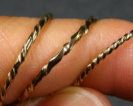 1.52 grams  3X ENGLISH MADE 9K TWISTED GOLD WIRE RING S  CO809