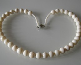 VERY NICE WHITE CORAL NECKLACE 50CM and CORAL BEADS 11MM