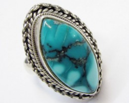 Beuatiful  Turquoise Ring Size   7.5  MJA355