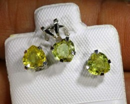 1.8 CTS SAPPHIRE EARRINGS AND PENDANT SET SG-32