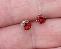 RED PYROPE GARNET EARRINGS SET IN STERLING SILVER 925