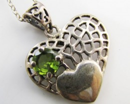20 cts Peridot Gemstone set in silver Hear Pendant  MJA 1146
