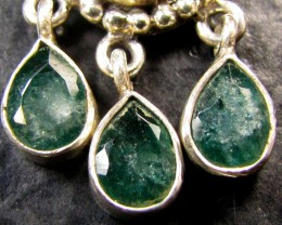 MOZAMBIQUE  CLUSTER EMERALD SILVER PENDANT RT 190