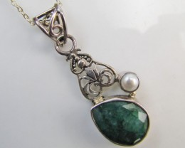 29Cts  Emerald & pearl  set in silver Pendant  MJA 1216
