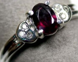 BEAUTIFUL GENUINE GARNET STONE RING SIZE 6.5 RA772