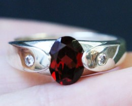 CZ Natural Fire red Garnet in Silver Ring Size7 BU1487