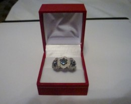 NEW! EXQUISITE BLUE AND WHITE DIAMOND RING SIZE 7