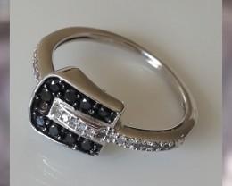 Black & White Diamond Contemporary Ring 10kt White Gold