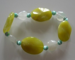 VERY NICE NATURAL JADE AND QUARTZ BRACELET