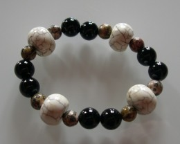 VERY NICE NATURAL HORN, ONYX and JASPER BRACELET